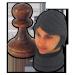 Die Beschenkte als Schachkönigin in Kombination mit hölzernem Bauer